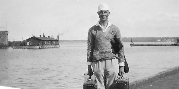 Holger Swahn, på resande fot omkring1930. Foto ©Familjen Swahn