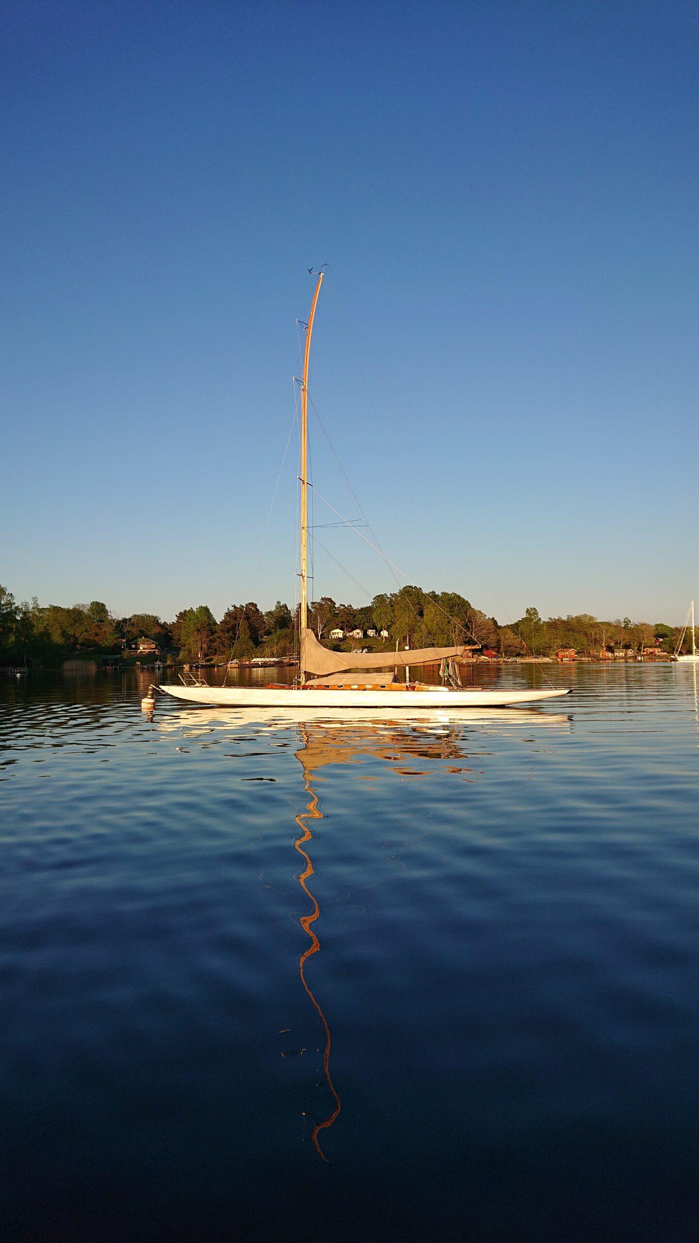 På plats vid bojen vid Runmarö